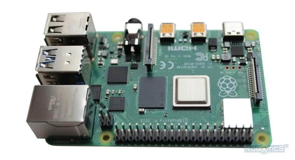 Миникомпьютер Raspberry Pi 4.